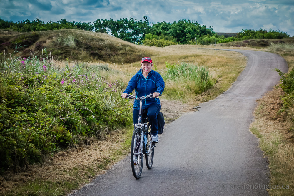 Robin Cycling on Texel